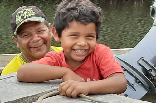 Photo by Sheryl Bearman during a volunteer project to bring food to remote locations in Panama.